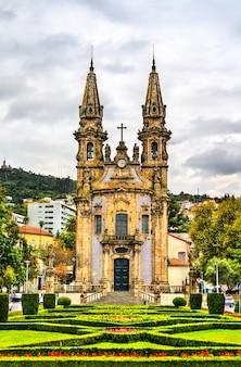 Chiesa di nossa senhora da consolacao e dos santos passos, patrimonio mondiale dell'unesco a guimaraes, portogallo