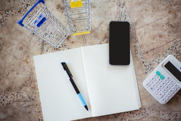 Dispositivi e calcolatrici per prendere appunti. idee di trading online