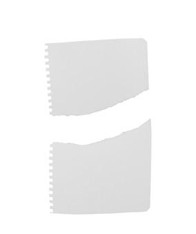 Quaderno a righe strappato su sfondo bianco