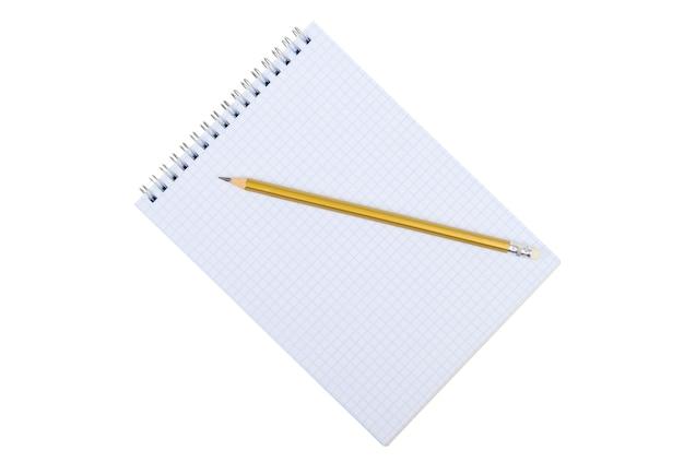 Taccuino e matita isolati