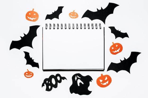 Blocco note con decorazioni di halloween