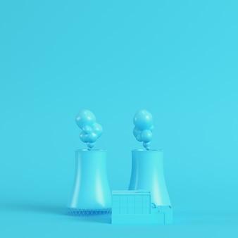 Centrale nucleare su sfondo blu brillante