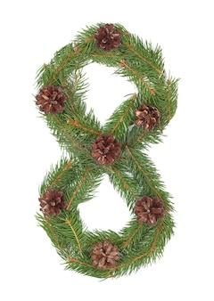 Numero 8 - fatto dell'albero di abete di natale su un bianco isolato