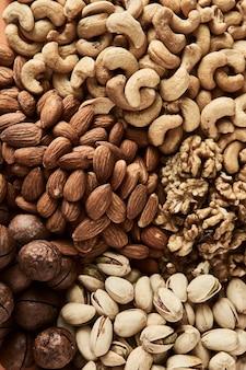 Miscela di noci di anacardi, pistacchi, mandorle, macadamia e noci