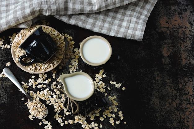 Bevande keto al latte d'avena. latte vegano