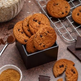 Biscotti di farina d'avena con cioccolato