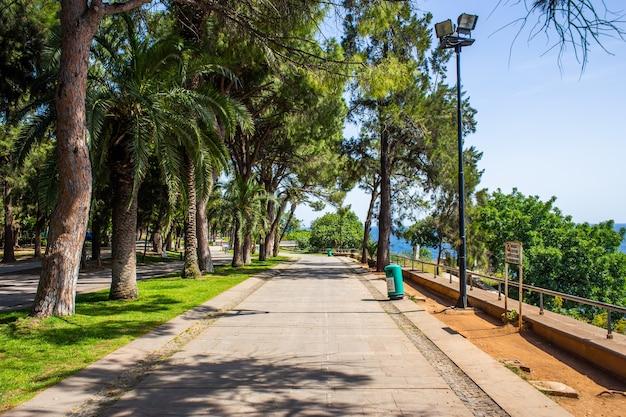 Piattaforma di osservazione al parco di karaalioglu ad antalya