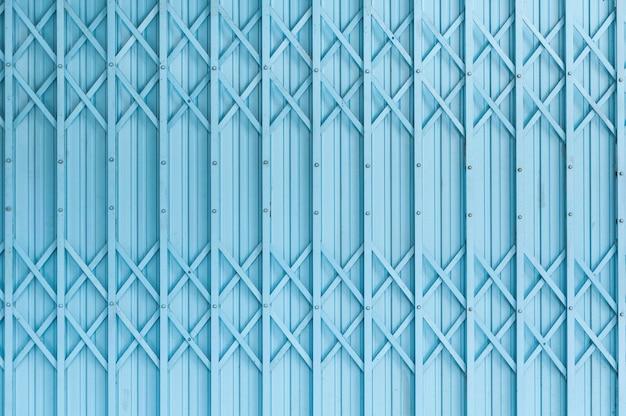 Vecchio modello di struttura porta in acciaio blu o porta in acciaio