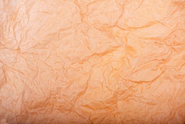 Vecchia carta marrone, carta da imballaggio stropicciata, confezione regalo moderna