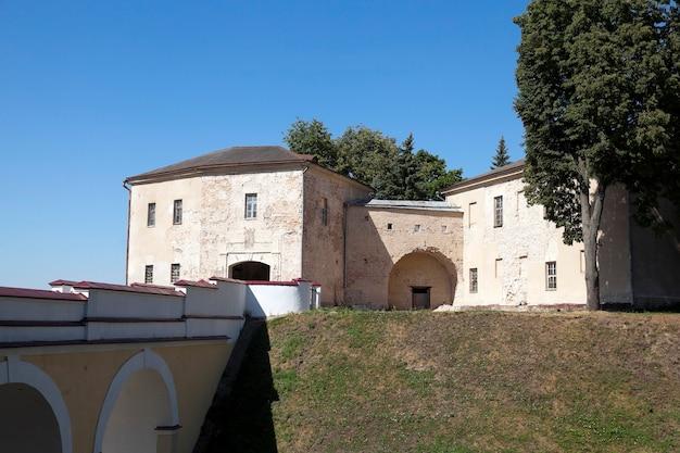 Vecchio castello grodno - ingresso della vecchia fortezza, situata a grodno, bielorussia