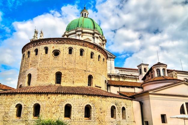 Vecchia cattedrale di brescia in italia