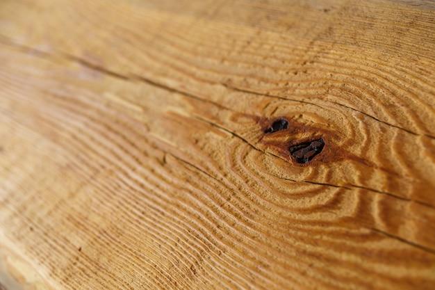 Vecchio fondo di legno strutturato di lerciume, la superficie della vecchia struttura di legno marrone per progettazione, pannelli di legno di vista superiore. la seconda vita dei prodotti in legno.