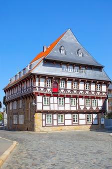Vecchia casa a graticcio a goslar, germania
