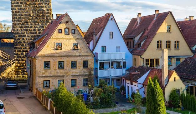Vecchie case a rothenburg ob der tauber, pittoresca città medievale in germania, famoso sito del patrimonio culturale mondiale dell'unesco, popolare destinazione di viaggio