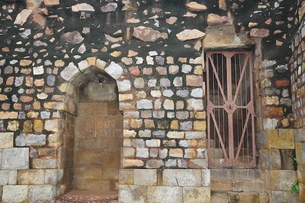 Vecchia immagine della prigione e vecchia architettura