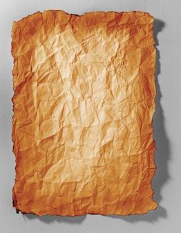 Vecchia struttura di carta con ombra