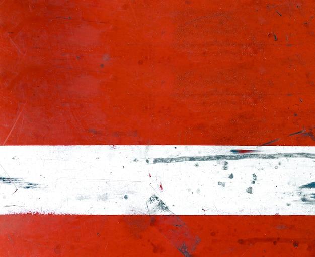 Vecchio fondo e struttura rossi del piatto di ferro