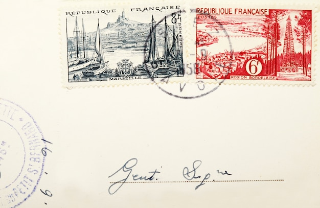 Vecchi francobolli e francobolli postali