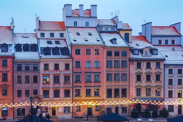 Città vecchia market place in mattinata, varsavia, polonia.