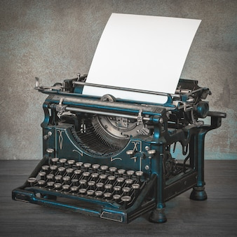 Vecchia macchina da scrivere