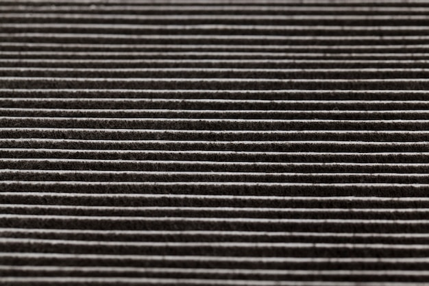 Il vecchio filtro usato completamente sporco è nero