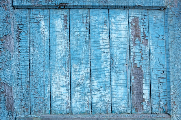 Pannelli in legno antico. i pannelli di legno dipinti di verde orizzontale si chiudono su.