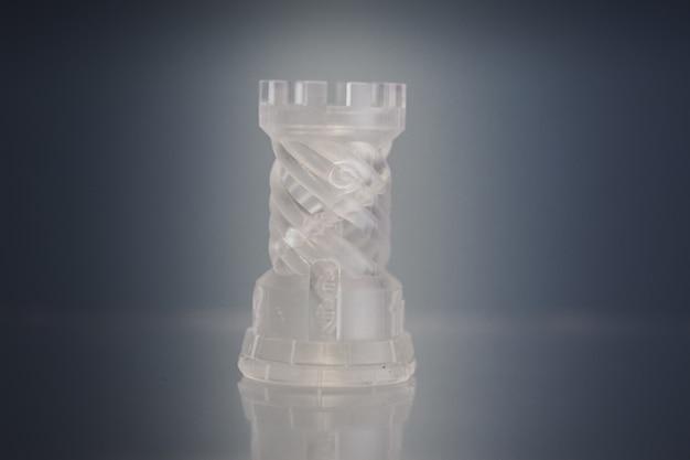 Un oggetto fotopolimero stampato su una stampante 3d.