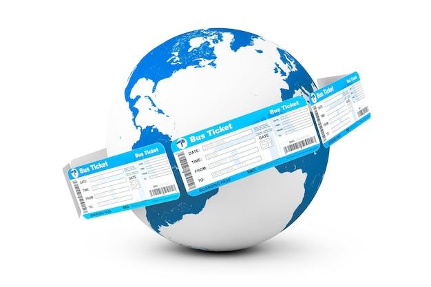 Concetto di prenotazione online. biglietti dell'autobus intorno al globo terrestre su sfondo bianco