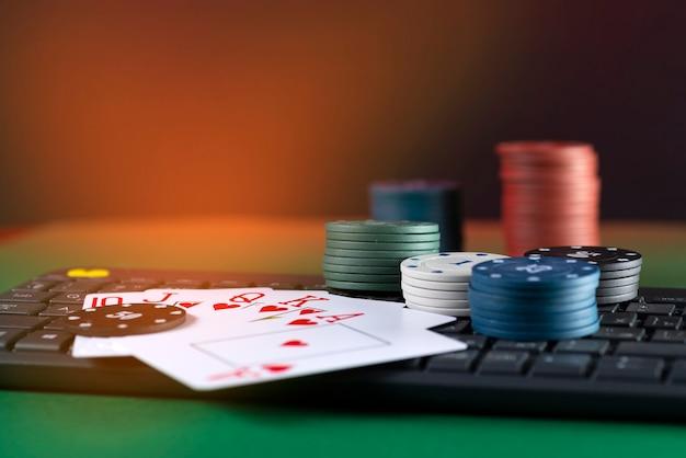 Piattaforma di gioco online, casinò e attività di gioco d'azzardo