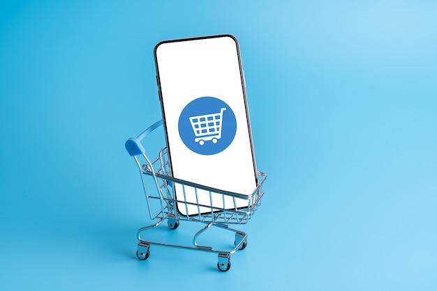 Shopping online e icona nuvola sull'applicazione cellulare