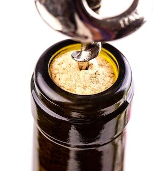 Aprire una bottiglia di vino con un cavatappi
