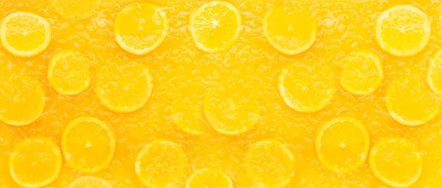 Succo d'arancia o bevanda alla frutta, sfondo banner.