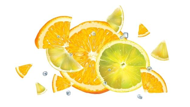 Fette di arancia e limone e goccioline d'acqua in volo isolate su sfondo bianco