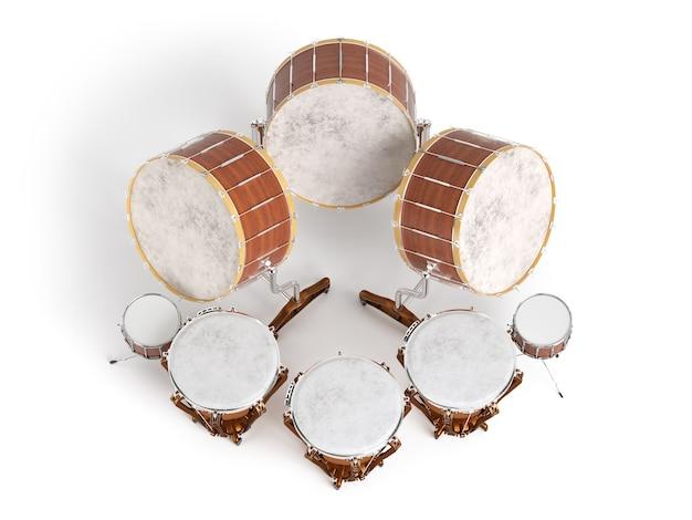 Tamburi dell'orchestra isolati su bianco