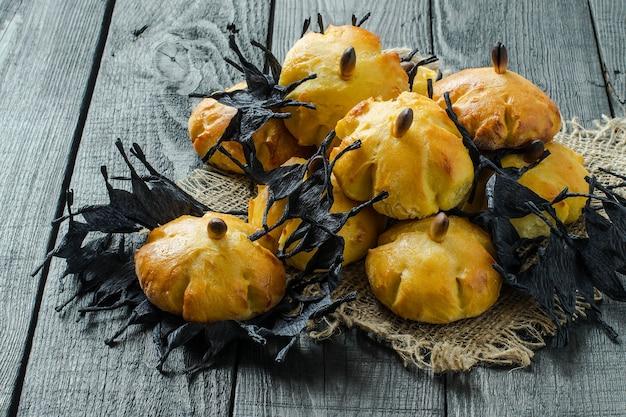 Cottura originale a forma di zucca e nastro di carta spinato nero per la festa di halloween