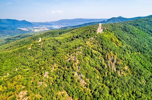 Castelli di ortenbourg e ramstein nelle montagne dei vosgi, nel dipartimento del basso reno della francia