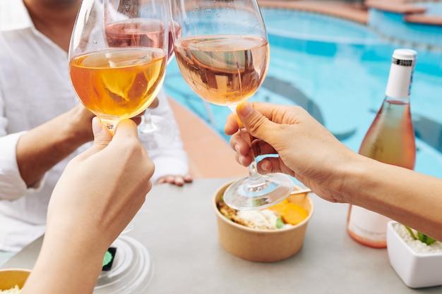 Festa in piscina all'aperto