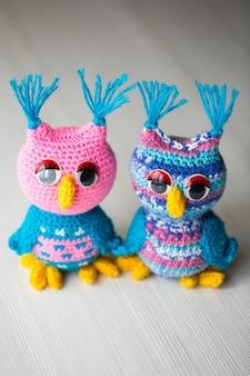 Bambola gufo lavorata a maglia