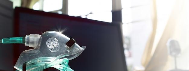 Inalatore di ossigeno per mettere aria gassosa per pazienti con disturbi respiratori,