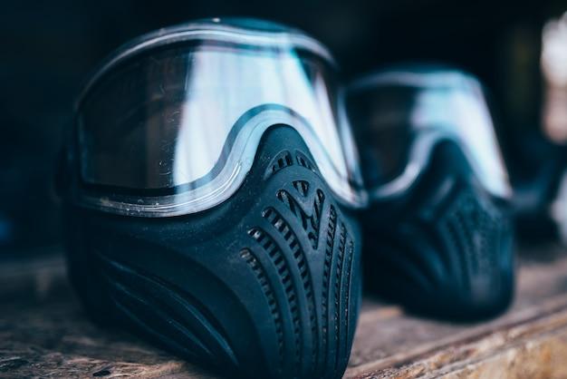 Maschera di paintball con il primo piano di occhiali, nessuno. equipaggiamento estremo per la protezione del gioco, munizioni sportive