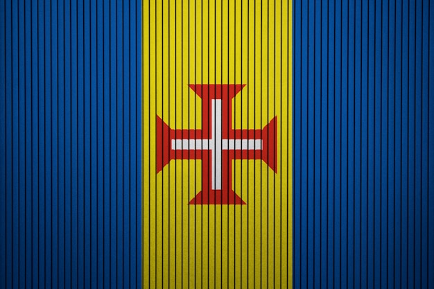 Bandiera nazionale dipinta di madeira su un muro di cemento