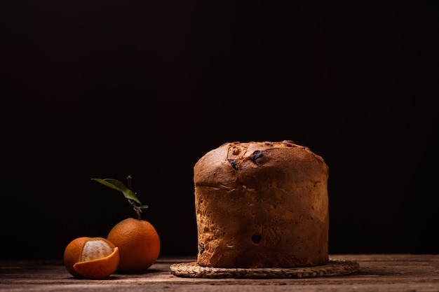 Primo piano del panettone tradizionale italiano al forno torta di natale