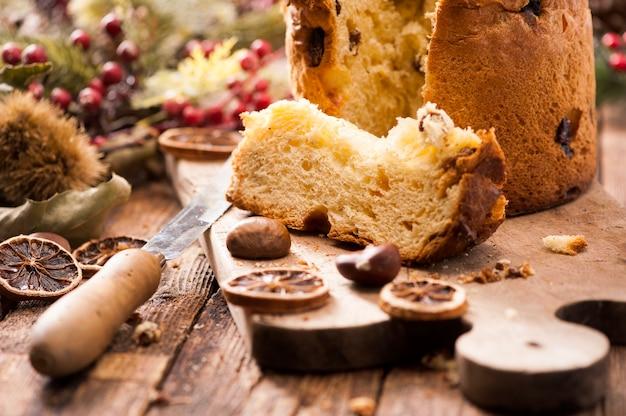 Il panettone è il dolce tradizionale italiano per natale