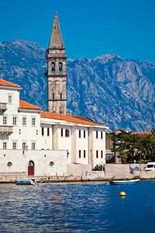 Vista panoramica della città di perast in montenegro