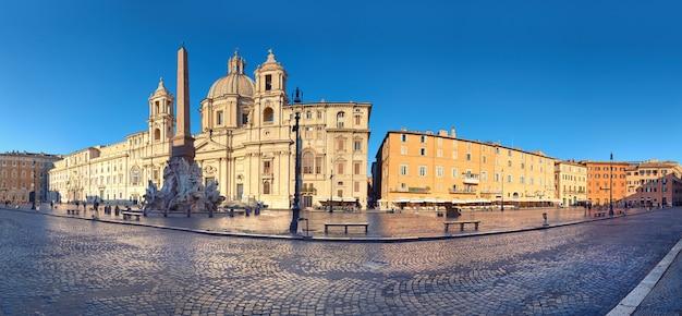 Immagine panoramica di piazza navona a roma, italia