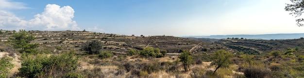 Paesaggio panoramico di montagna in una giornata di sole, cipro.