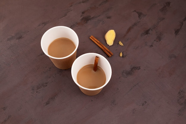 Bicchieri di carta di morning mumbai chai