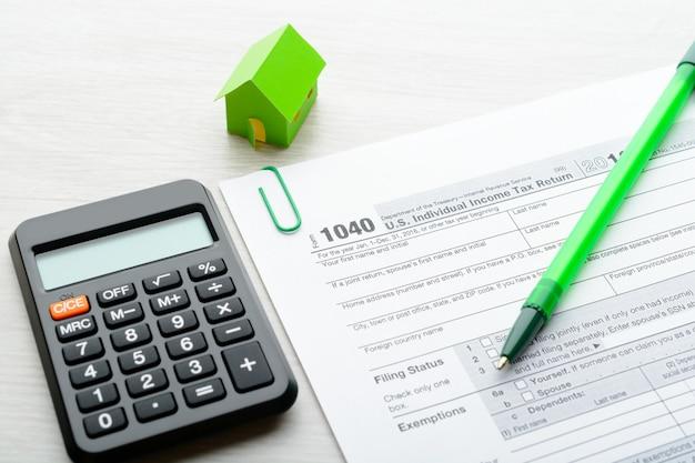 Casa di carta e modulo fiscale