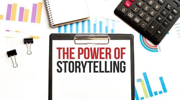 Piatto di carta con testo the power of storytelling