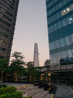 Parco sul grattacielo a saigon vista moderna in vietnam